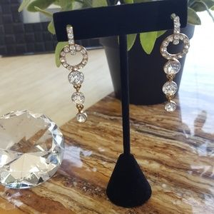 Jewelry - Dangling earrings gold